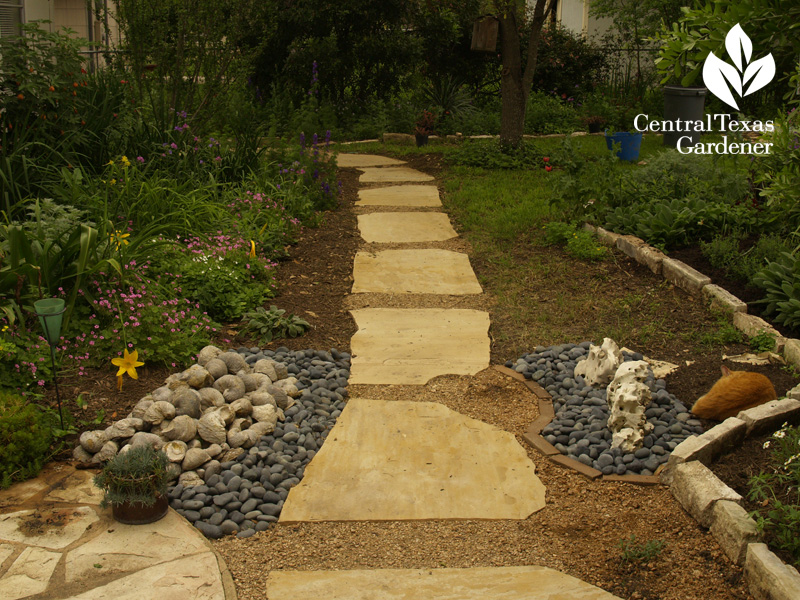 stone path with oyster shell sculpture (c) Linda Lehmusvirta