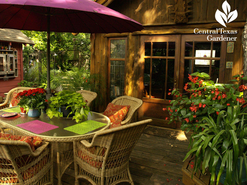 Lucinda Hutson's outdoor dining room central texas gardener