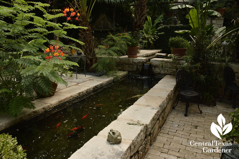miniature aqueduct patio courtyard garden