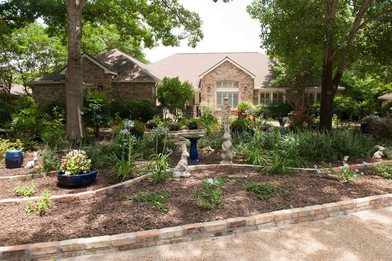 Front yard makeover no grass: Doris Reagan | Central Texas ... on No Grass Backyard  id=42674