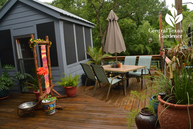 upper deck artistic patio Central Texas Gardener