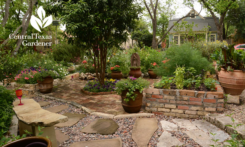 front courtyard and raised vegetable bed Lucinda Hutson Central Texas Gardener