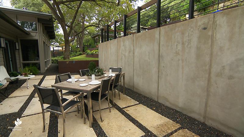 contemporary outdoor dining room Leuders concrete Tejas Grey gravel Harper Dujon Central Texas Gardener