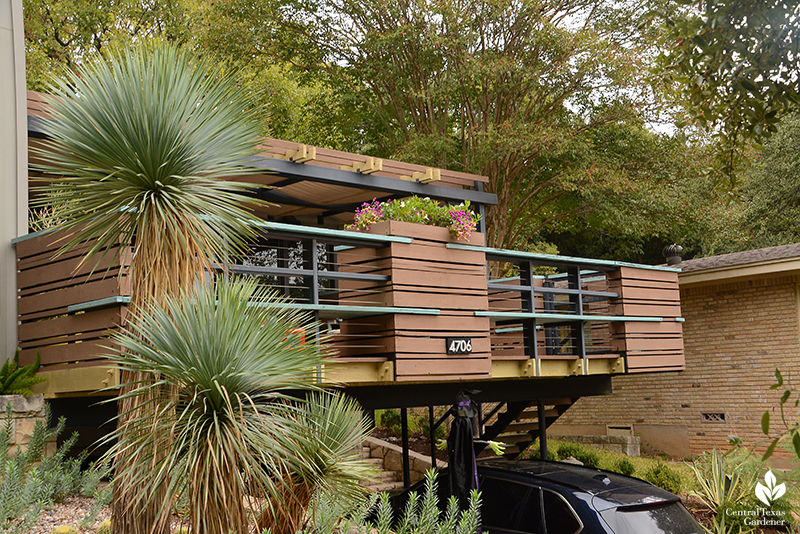 contemporary upstairs deck to street Harper Dujon design Central Texas Gardener