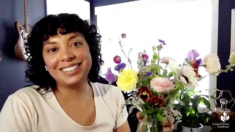 Laura Ruiz Brennand La Otra Flora spring flower arrangement